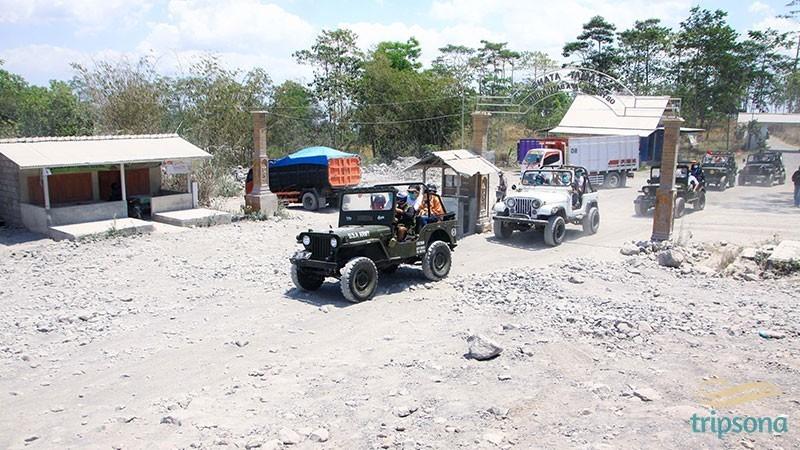 FEUI89-Jeep-2